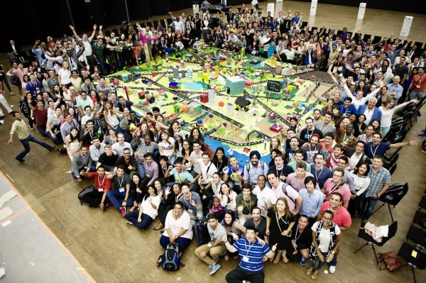 350 Global Shapers come together to build the ideal city!