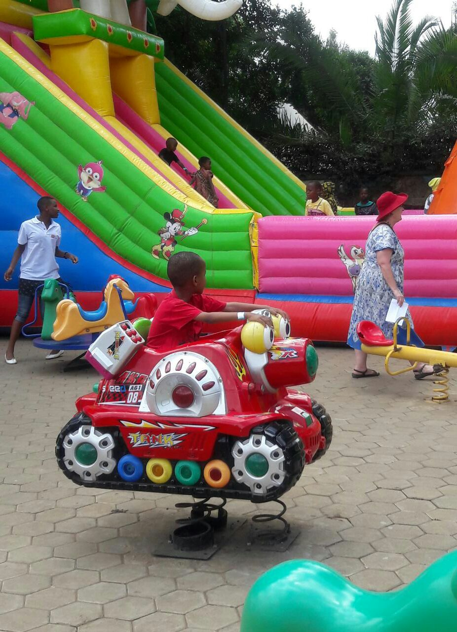 children_playing_family-day2016