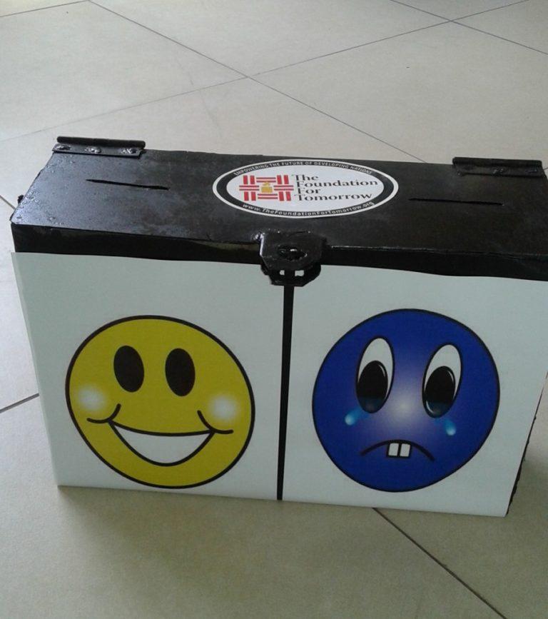 happy-and-sad-box-pic-1-e1436547923218-907x1024-768x867